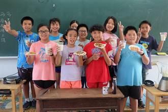 籌募畢業旅行經費 東榮國小學生賣早餐