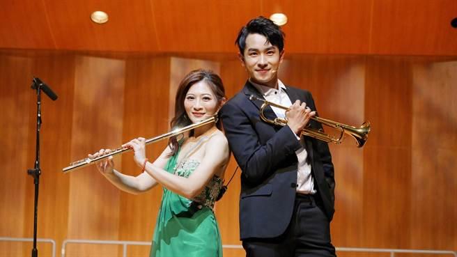 陳謙文現身華姵的十週年長笛音樂會擔任壓軸彩蛋嘉賓。(華劇場提供)