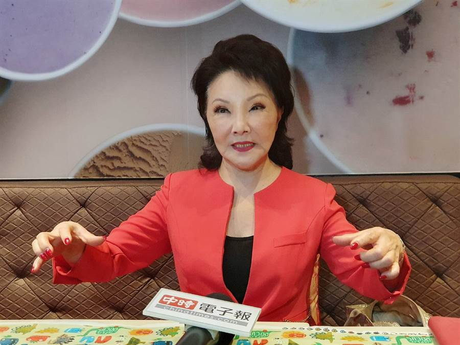 楊燕發覺海外華僑比台灣本地人愛國的心更強烈。(照片/游定剛 拍攝)
