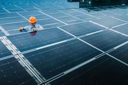 全台最大地面型太陽光電場 今正式啟用