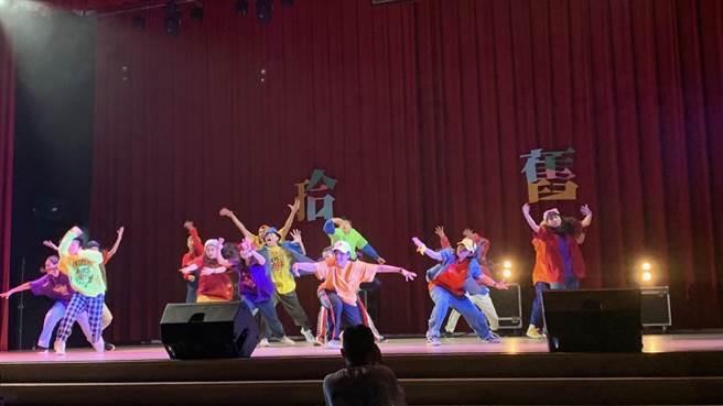 國立臺北科技大學熱舞社第19屆期初舞展-hip pop。(林品君攝)