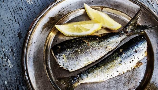 白肉如魚、雞肉油脂較少,魚類的油脂也是人體所必需的好油。(圖片來源:pixabay)
