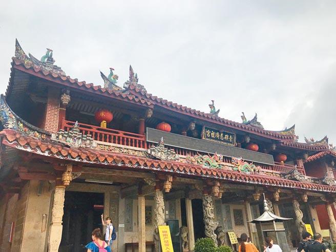 青礁慈濟宮是全球華人信仰保生大帝的朝聖地。(周麗川攝)