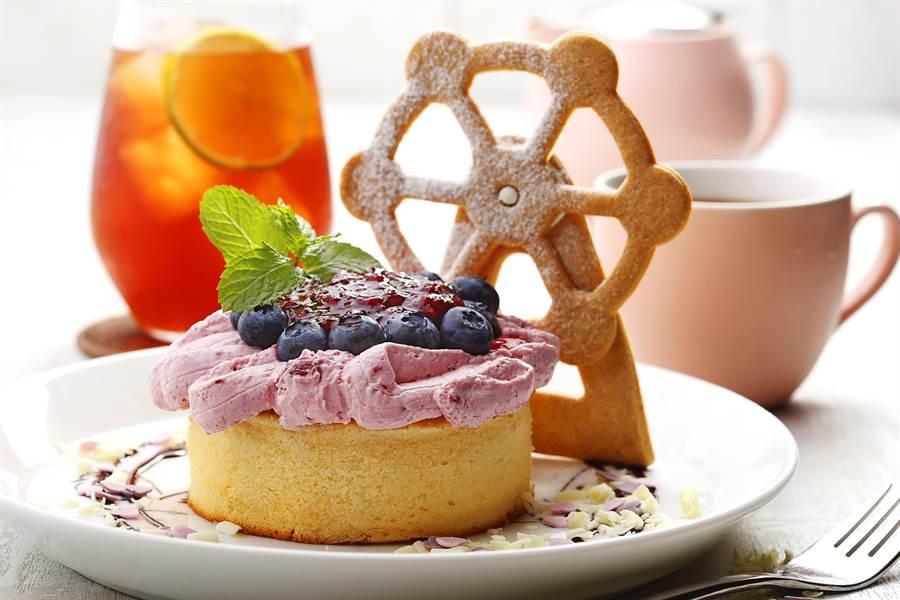 杏桃鬆餅屋美麗華店今開幕,新品「摩天輪厚鬆餅」要用「萌」造形撩妹。(圖/杏桃鬆餅屋)