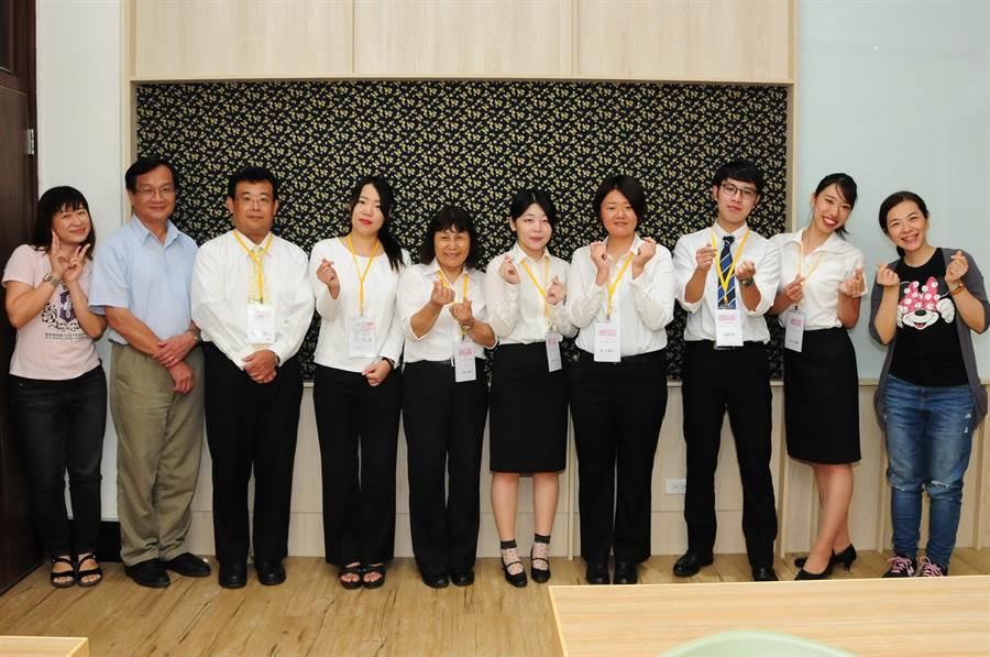日本奈良縣天理大學學生,在靜宜大學進行為期一週的教育實習。(陳世宗攝)