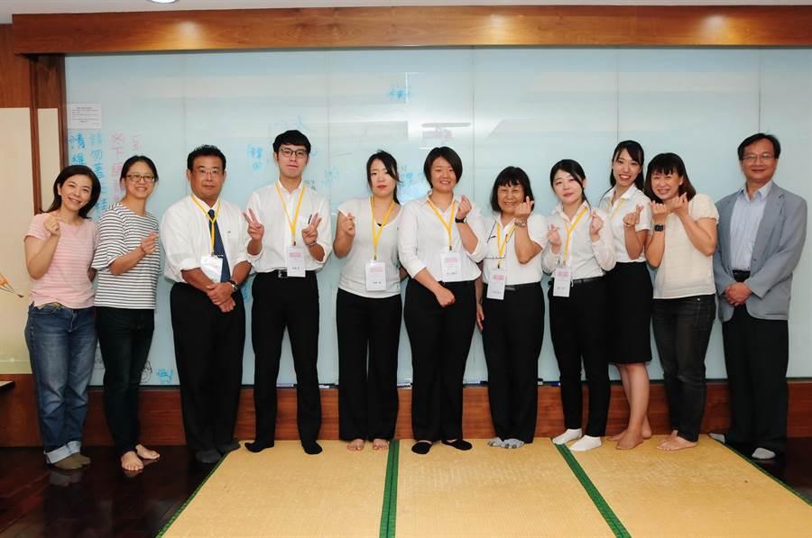 日本到台灣實習夯,天理大學師生在靜宜大學實習收穫滿滿。(陳世宗攝)