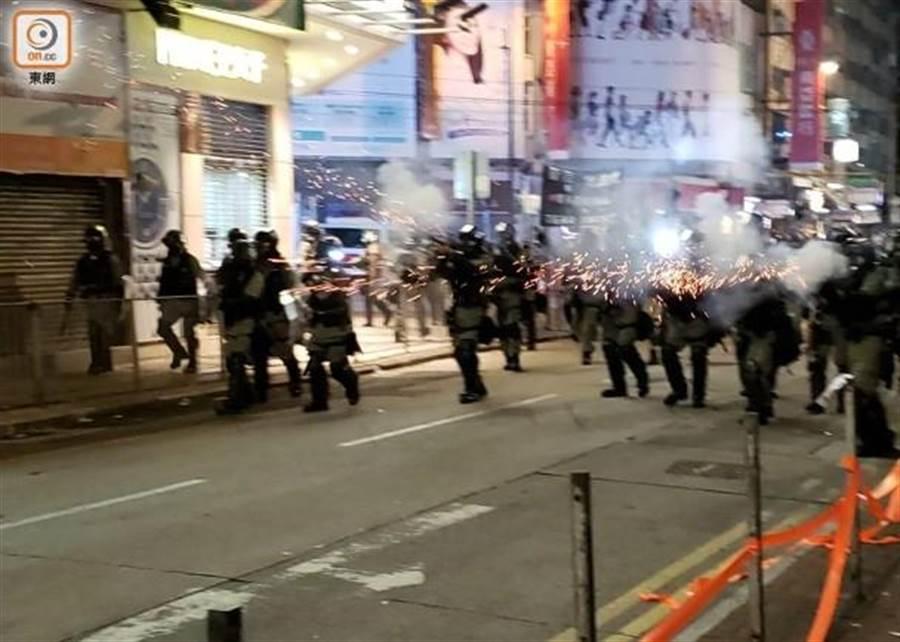 香港示威浪潮持續。(圖翻攝自/東網)