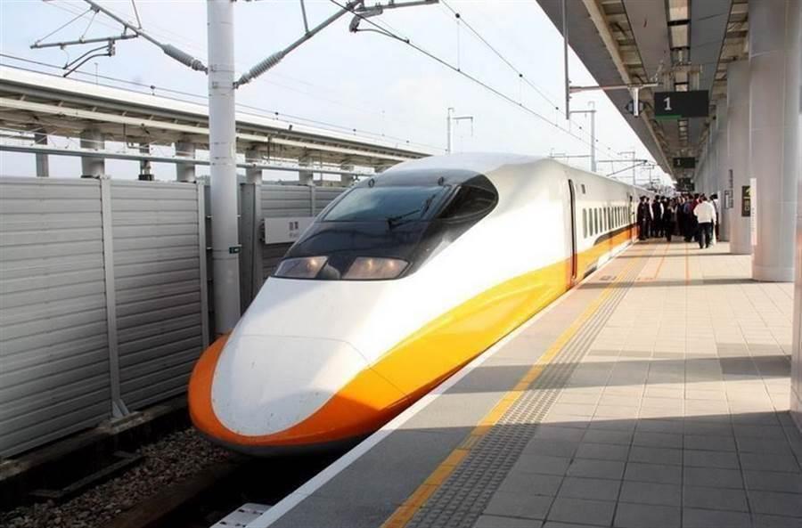 高鐵今明兩日將加開兩班車。(報系資料照)
