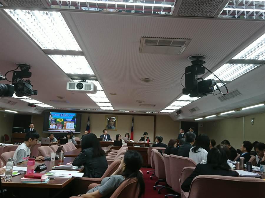 立法院社福衛環委員會今由環保署進行業務報告並接受質詢。(廖德修攝)