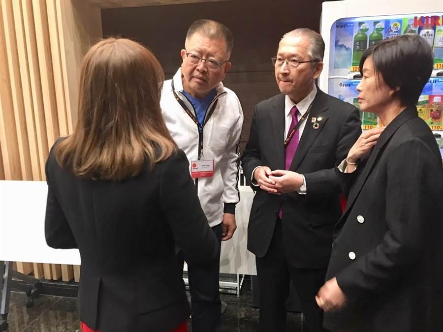 全國總工會理事長陳杰(左二)與日本JTUC勞慟組合總連合會神津里季生會長之合影。(圖/全國總工會提供)