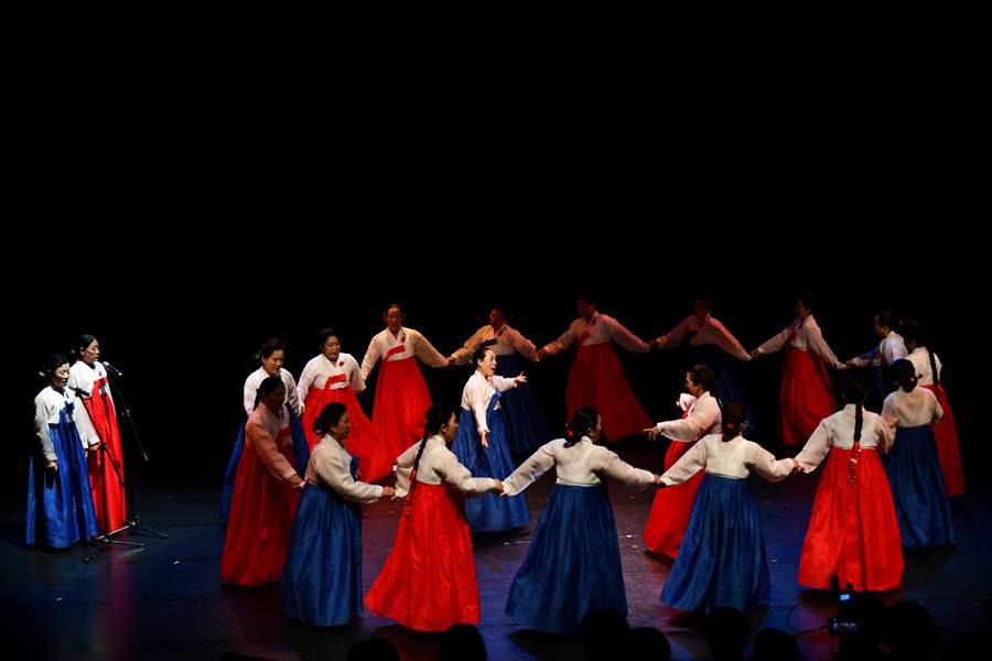 2019亞太傳統藝術節邀請的外國表演團隊,都是首次來台演出,韓國「羌羌水月來」的演出團體相當受到韓國政府重視。(國立傳統藝術中心提供)