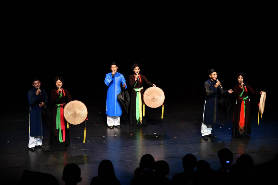 來自越南的官賀民歌是首次在台登場表演。(國立傳統藝術中心提供)