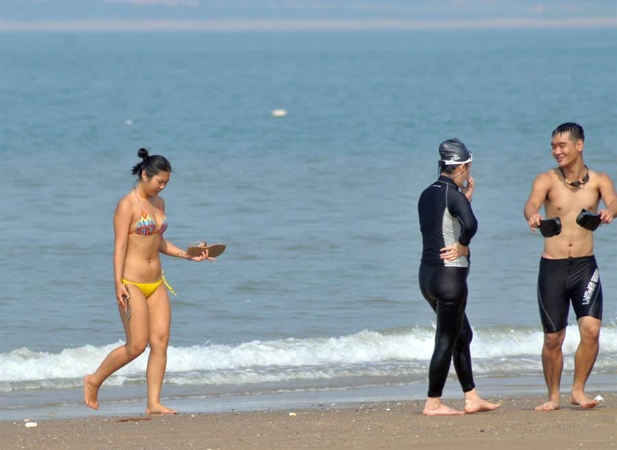 金門沿、近岸水質監測,結果均符合衛生標準。(李金生攝)