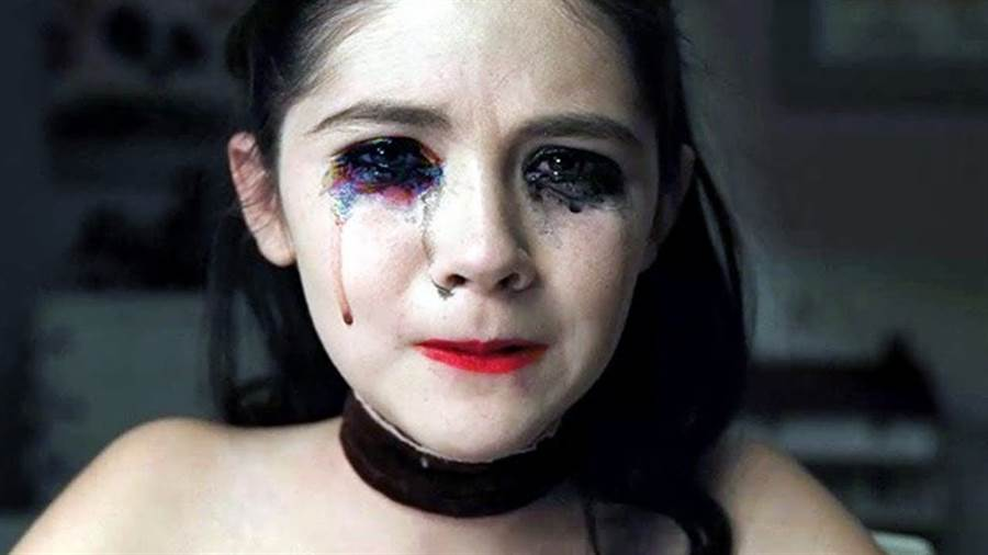 《孤兒怨》可怕養女最後攤牌劇情相當驚悚。(圖/《孤兒怨》電影劇照)