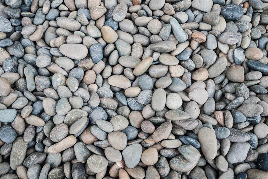 石頭河沒一滴水 卻神奇傳出流水聲(示意圖/達志影像)
