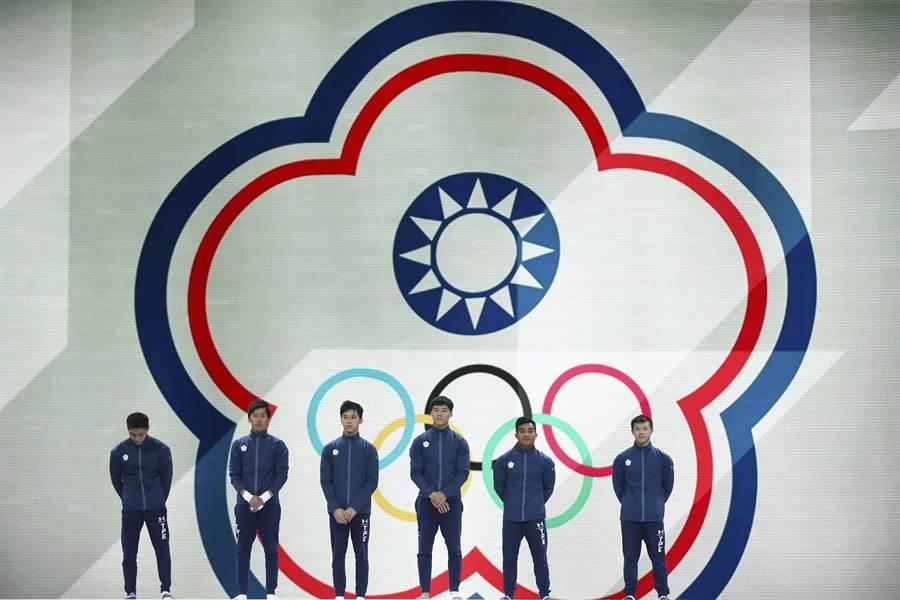 中華男子體操隊首闖體操世錦賽成隊決賽,拿到第6名成績。(美聯社)