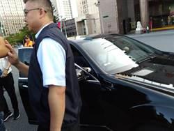 宋楚瑜偕同黨籍市議員出席台北市府升旗典禮