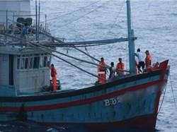 越籍漁船越界捕魚 漁業署開罰100萬