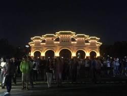 「國慶花車嘉年華」開跑 熊讚超吸睛