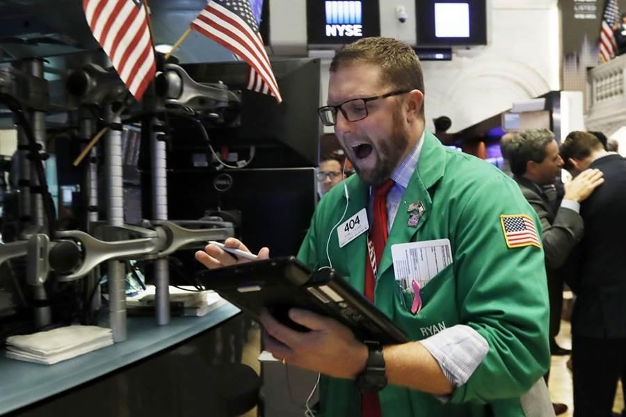 美陸新一輪談判恐不樂觀,道瓊期貨一度嚇趴逾300點。(圖/美聯社)