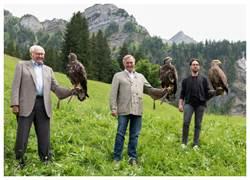 蕭邦Alpine Eagle飛鷹制霸  傳承祖孫三代之愛