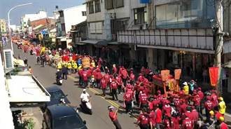 媽祖文化節搭起觀光列車 陣頭人龍綿延數公里