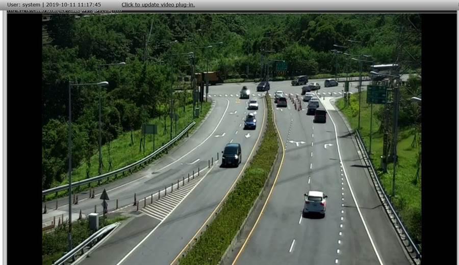 蘇花改11日的路況十分順暢,出入口的行車狀況,清楚可見車流量並不大。(四區工程處交通管理中心提供/胡健森宜蘭傳真)