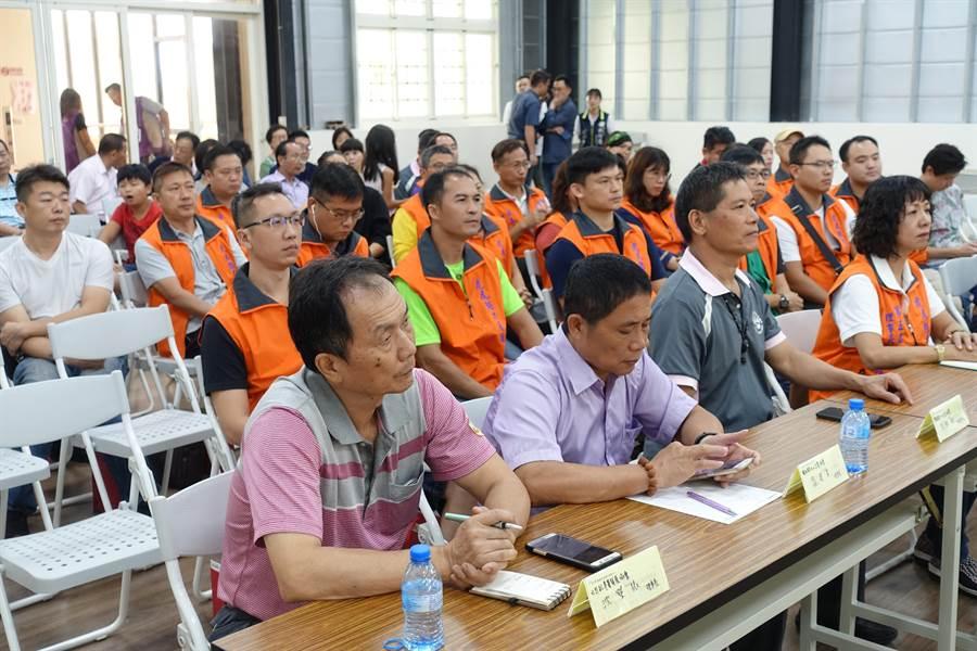 國發會與中小企業處等官員下鄉和雲林中小企業座談。(許素惠攝)