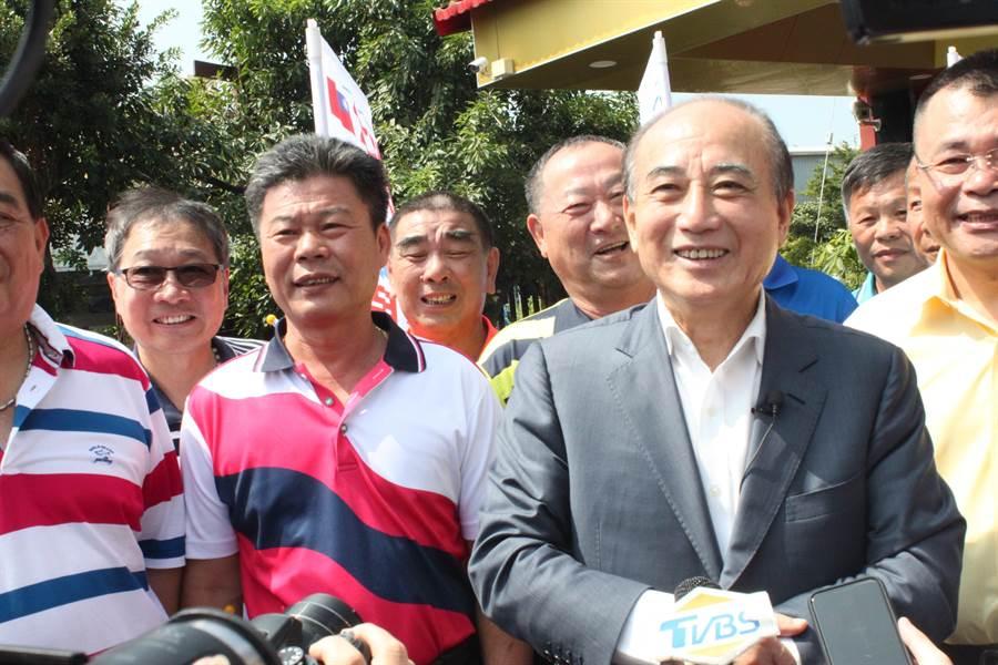 前立法院長王金平到彰化參加與鄉親有約餐敘,接受媒體聯訪,是否參選強調看因緣,因緣就是情勢。(吳敏菁攝)