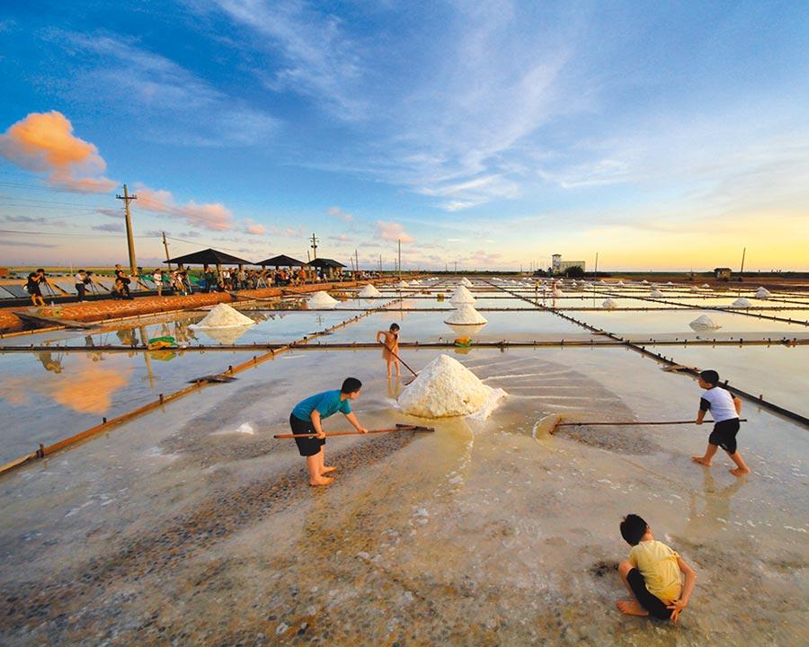 北門井仔腳送夕陽是台南跨年三部曲重頭戲之一。(台南市觀光旅遊局提供/莊曜聰台南傳真)
