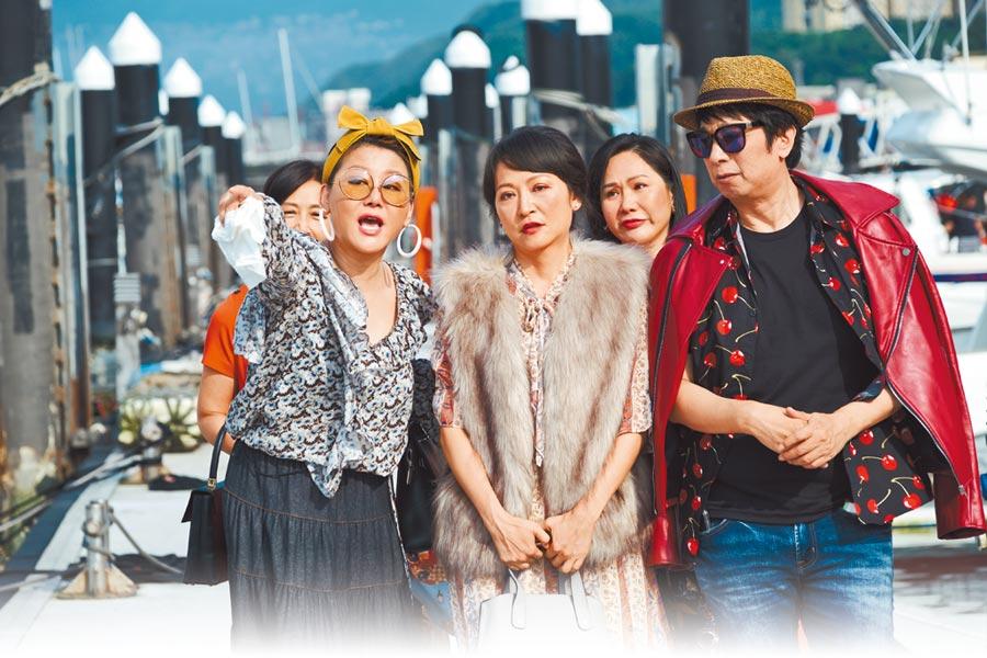 藍心湄(左起)、姚坤君及曹西平戲裡演閨蜜。(拙八郎提供)