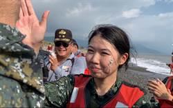 最強女神龍!她克服3年前腿斷3截恐懼 完成海上跳傘