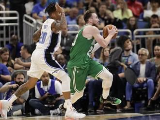 NBA》首節崩盤!綠軍破魔術不敗之身