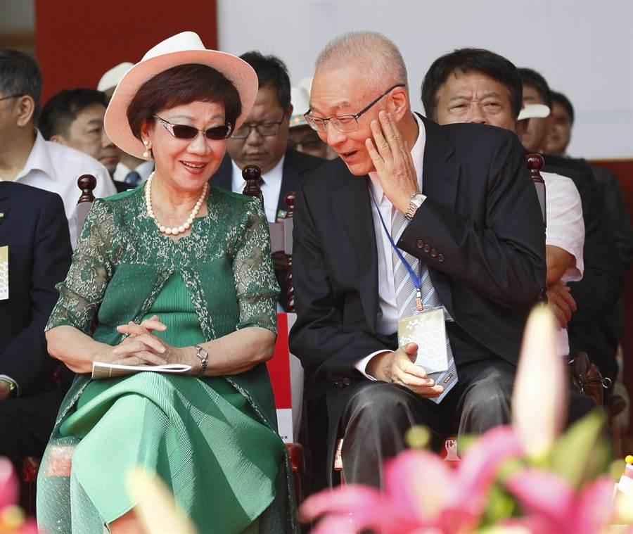 2位前副總統,呂秀蓮(左)與吳敦義(右)。(圖/張鎧乙攝))