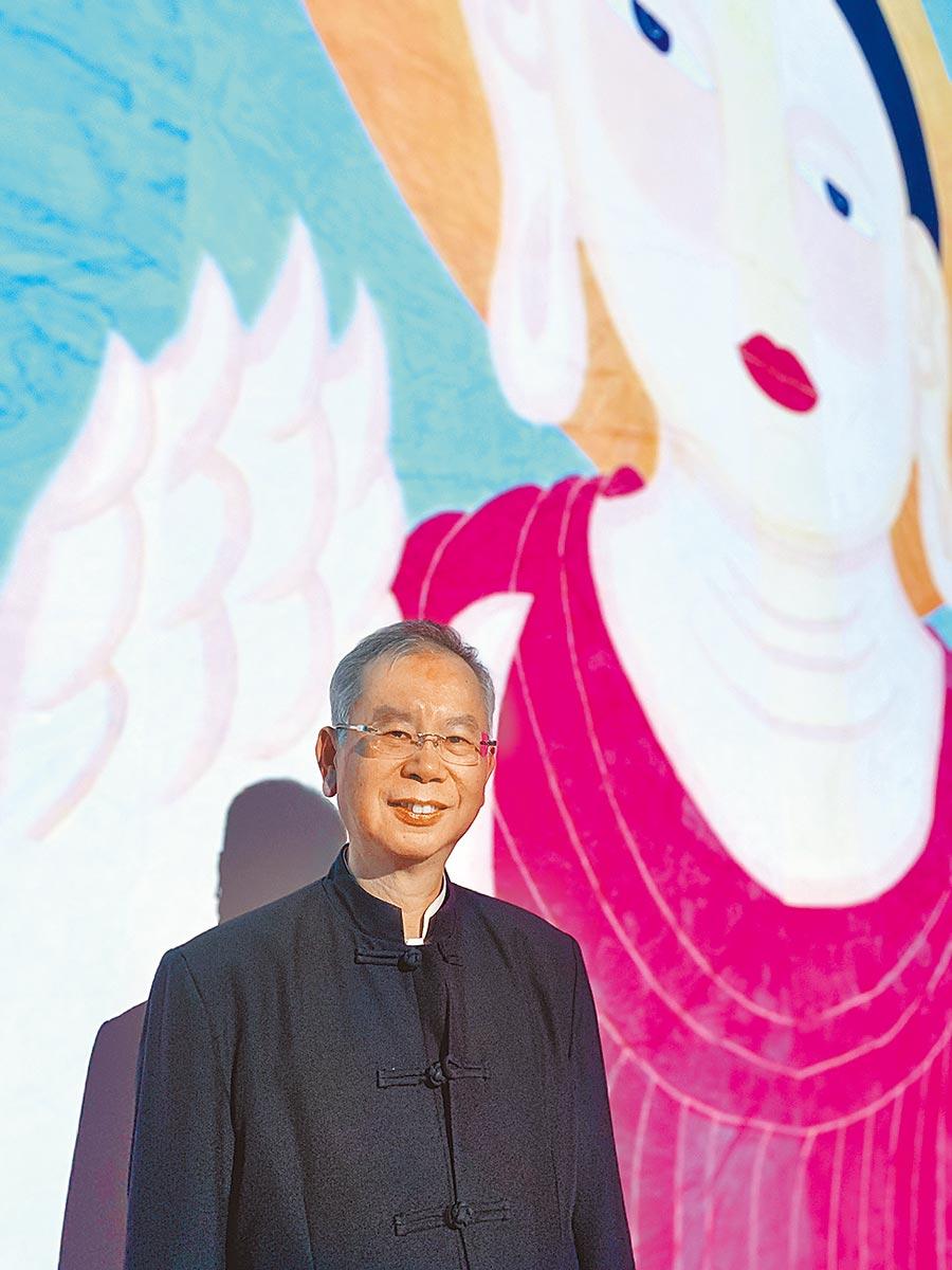 禪畫藝術家洪啟嵩帶著「金氏紀錄最大畫作-世紀大佛」到奧地利國家數位藝術中心深空館展出。(林怡宣攝)