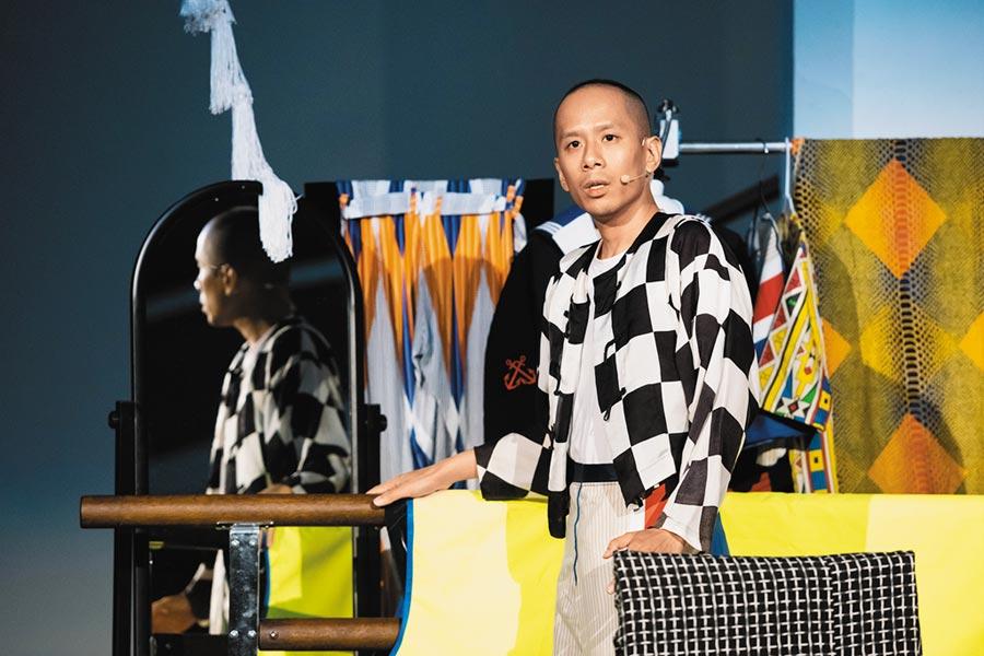 香港藝術家鄭德恩藉由家族歷史,推出戲劇作品《方舟變形記》。(台北表演藝術中心提供/王寶兒台北傳真)