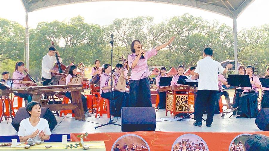 2019中彰投苗藝術節,在南投茶博會推出《舞樂映茶香》大匯演。(廖志晃攝)