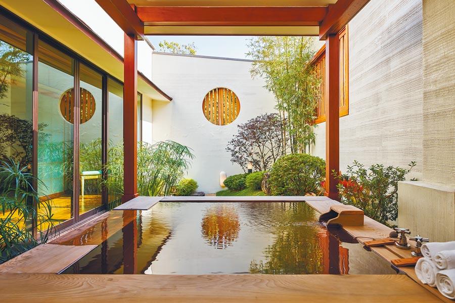 日式客房內享受不被打擾的泡湯心情,讓度假更愉悅。(三二行館提供)