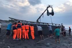 婦人遭重逾1噸膠筏壓斃 死因離奇