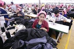 柬埔寨調高最低薪資
