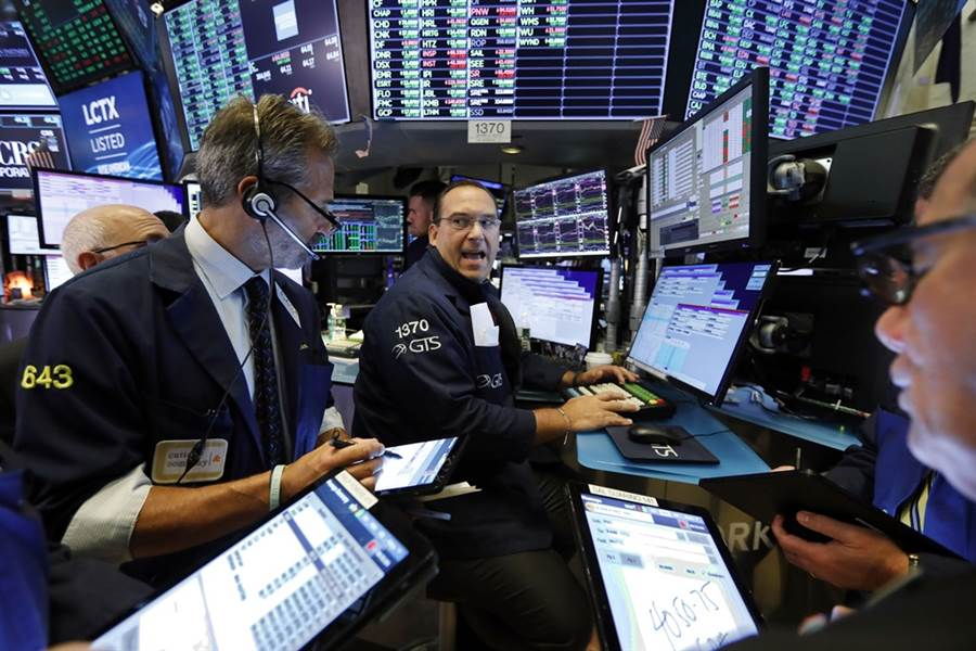 前高盛分析師認為,美股今年底恐再重演去年股災。(圖/美聯社)