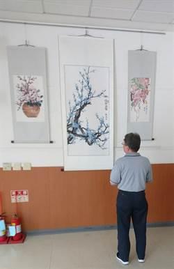 白衣天使顧瑪琍圓夢彩筆藝術家