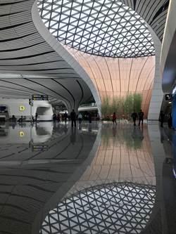 中國南方航空本月27日起首批13條航線、28個航班率先轉場至北京大興國際機場