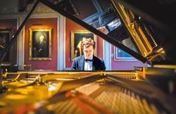 天才鋼琴家葛羅斯文諾 樂與大眾對話