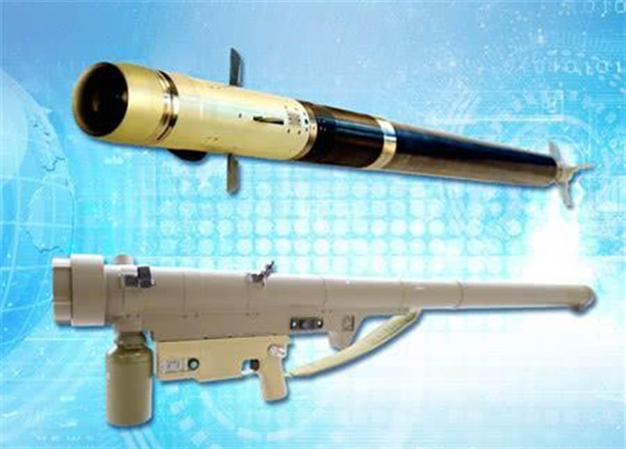 飛弩16與美國雷神公司的刺針飛彈性能規格幾乎一樣,較大陸自行研發的紅纓-6性能更強,有不少非洲國家採購這種操作簡單、價格低廉的單兵防空武器。(圖/新浪軍事)