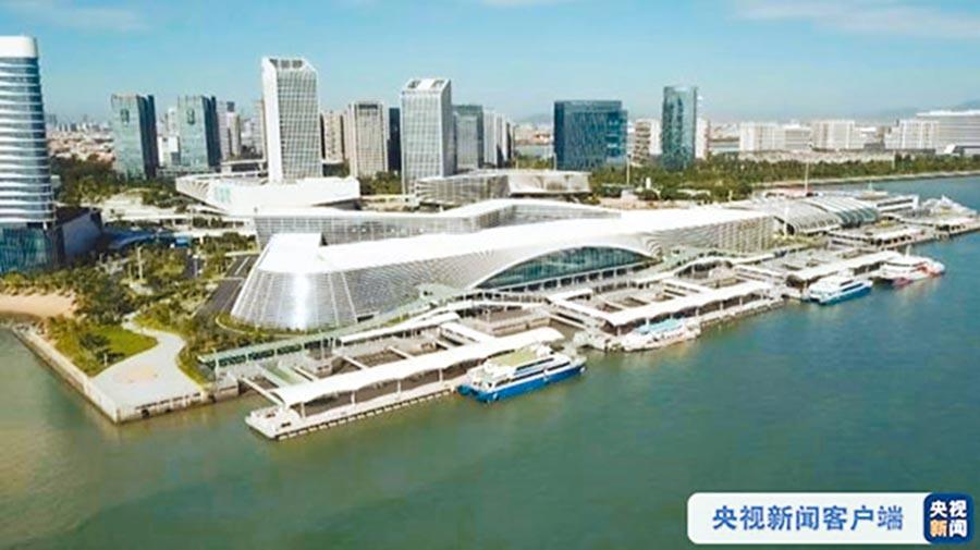 陸版金廈大橋計畫,以廈門為起點,經過翔安的廈門新機場,再聯通金門。(取自央視新聞)