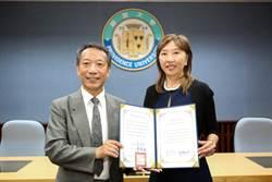 靜宜大學傑出校友黃百齡  提升台灣國際聲量重要推手