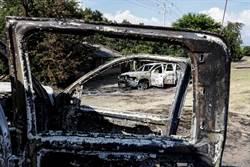 報復!警車隊遭血腥掃射14慘死 現場留猖狂訊息…