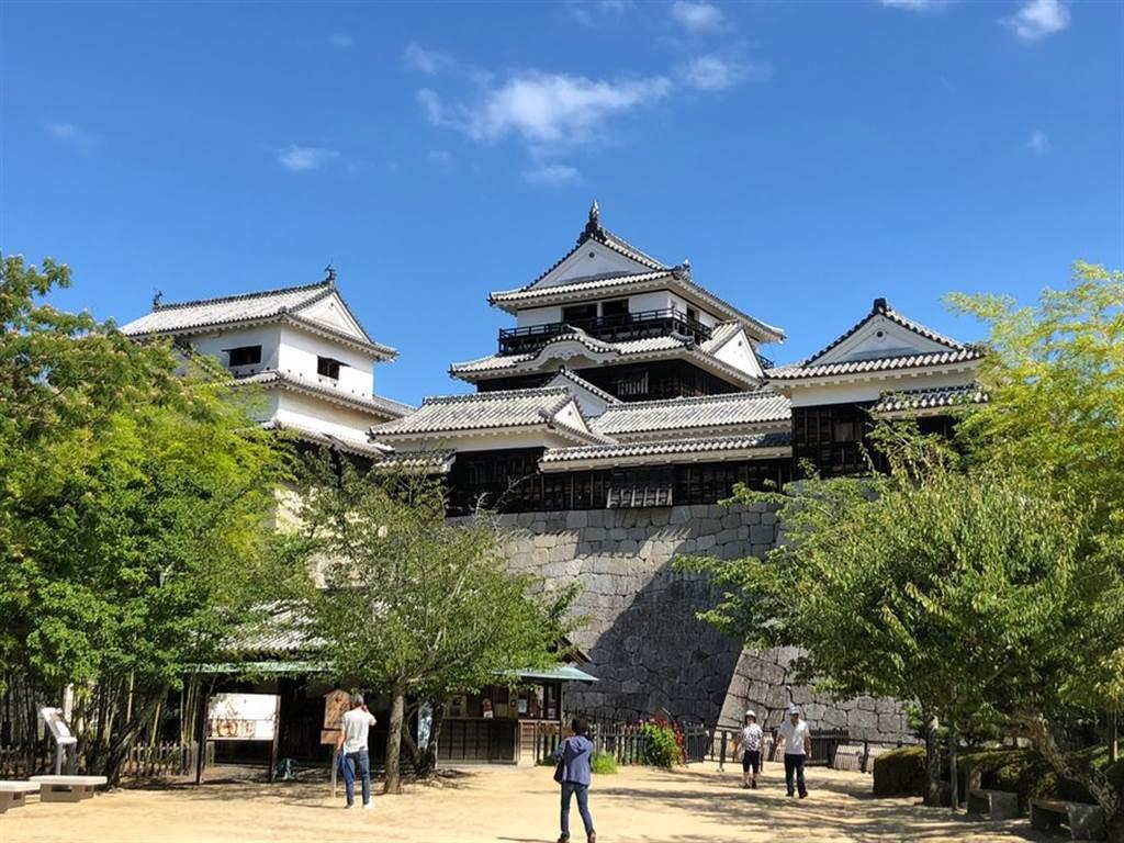 第四名的松山城建於1602年,為日本國家重要文化財產。(TripAdvisor 提供)