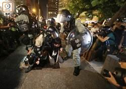 香港局勢動盪 美國商會1/4會員有意撤走